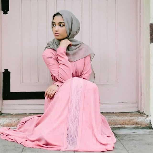 Gaun dengan Paduan Warna Pastel