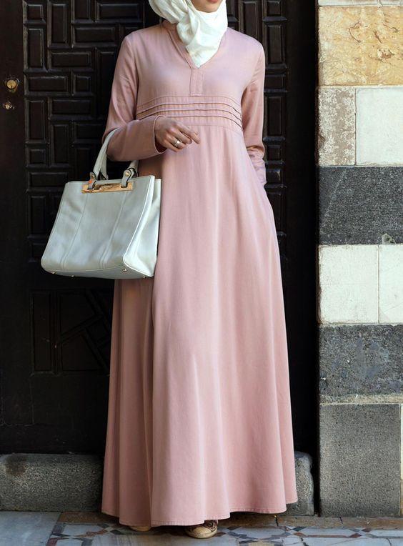 Warna Pastel Pada Gaun Pesta Muslim