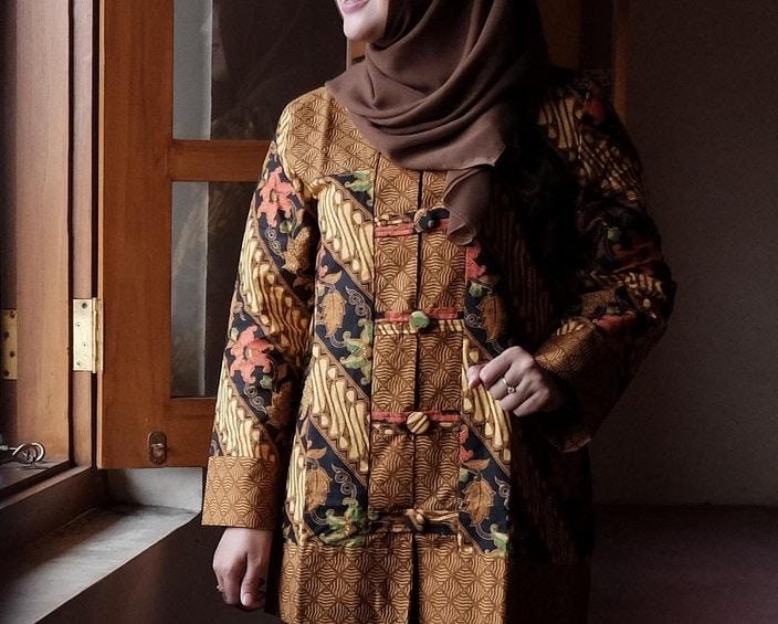 Model Batik Kerja Wanita