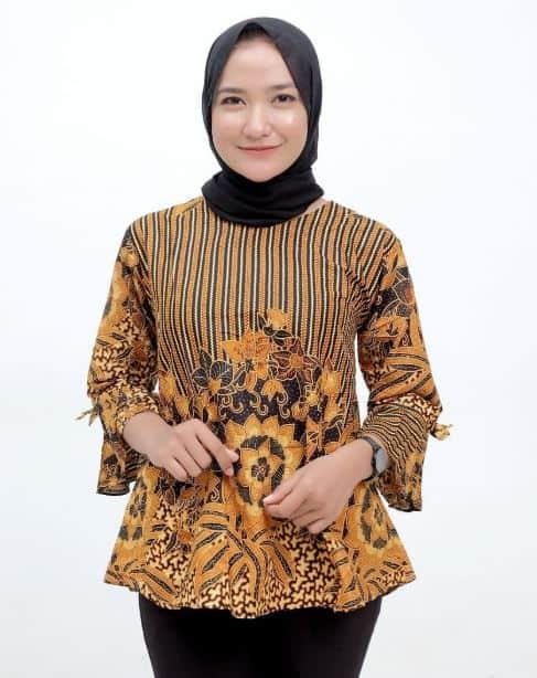 Model Baju Batik Terbaru untuk Wanita