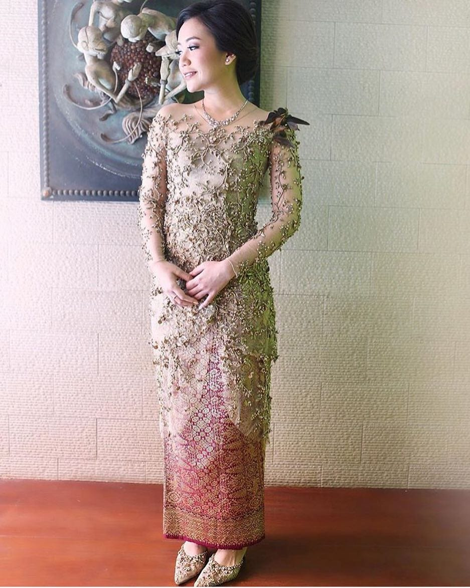 Model Kebaya Mewah Modern Brokat
