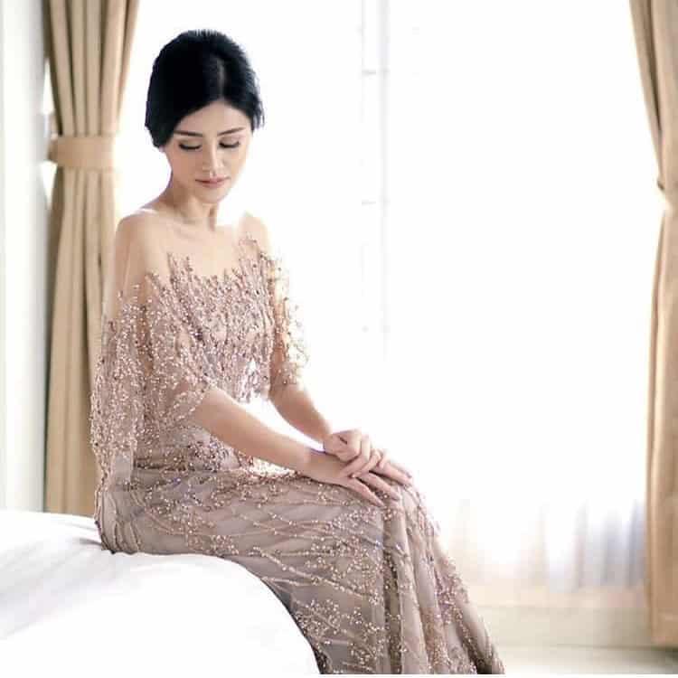Model Kebaya Mewah Modern Tanpa Hijab