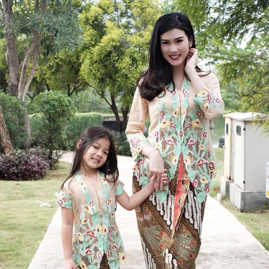 Model Kebaya Modern Couple Ibu Anak