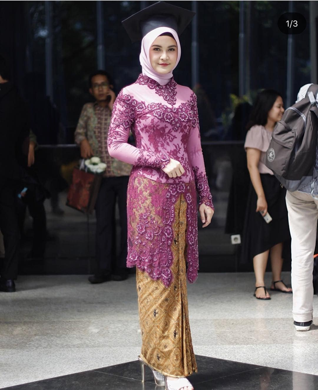 Model Kebaya Modern Wisuda Muslim Hijab