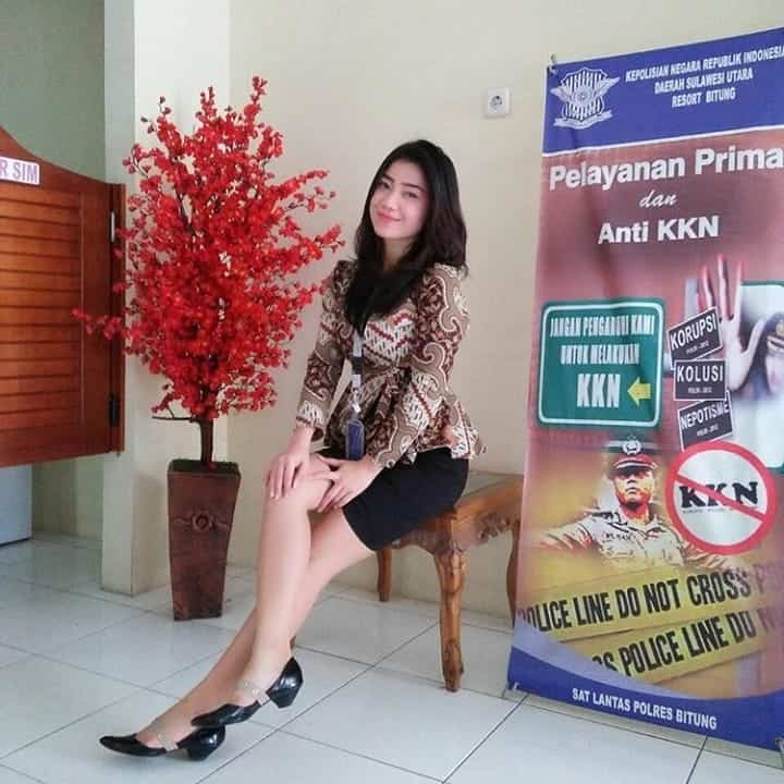 Model Batik Kerja Pegawai Bank Pasangan Rok Pendek