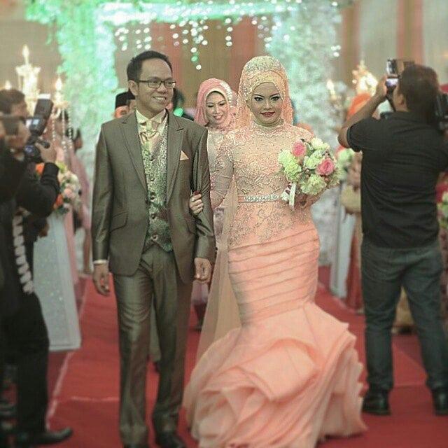 Inspirasi model gaun kebaya pengantin muslim