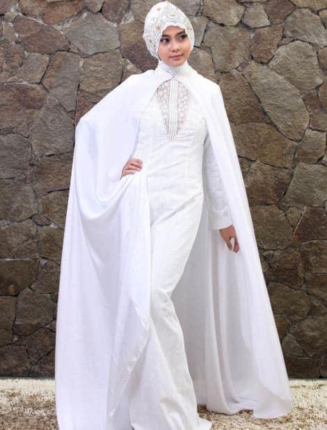 Gaun Pengantin Sederhana dari Bahan Lace