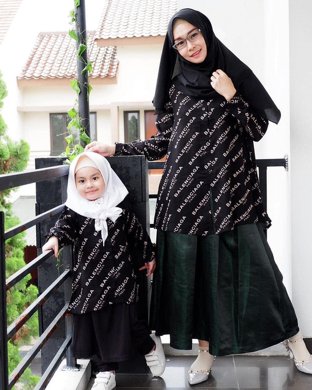 Model Gamis Couple Ibu dan Anak Hitam
