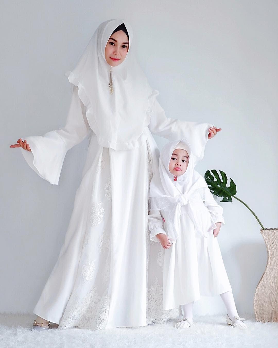 Model Gamis Couple Ibu dan Anak Kondangan