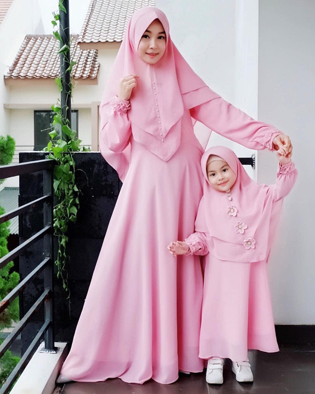 Model Gamis Couple Ibu dan Anak Modern