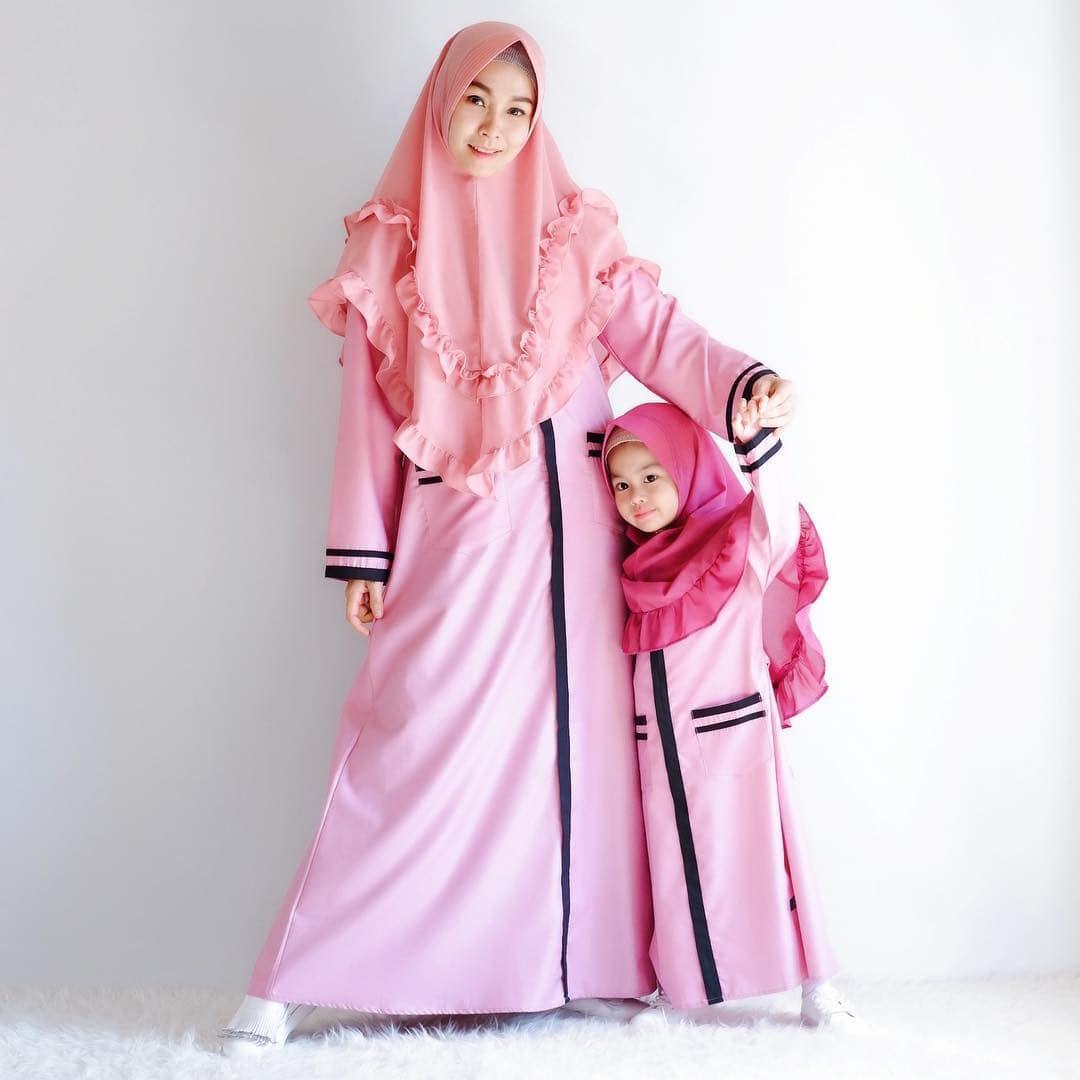 Model Gamis Couple Ibu dan Anak Modis