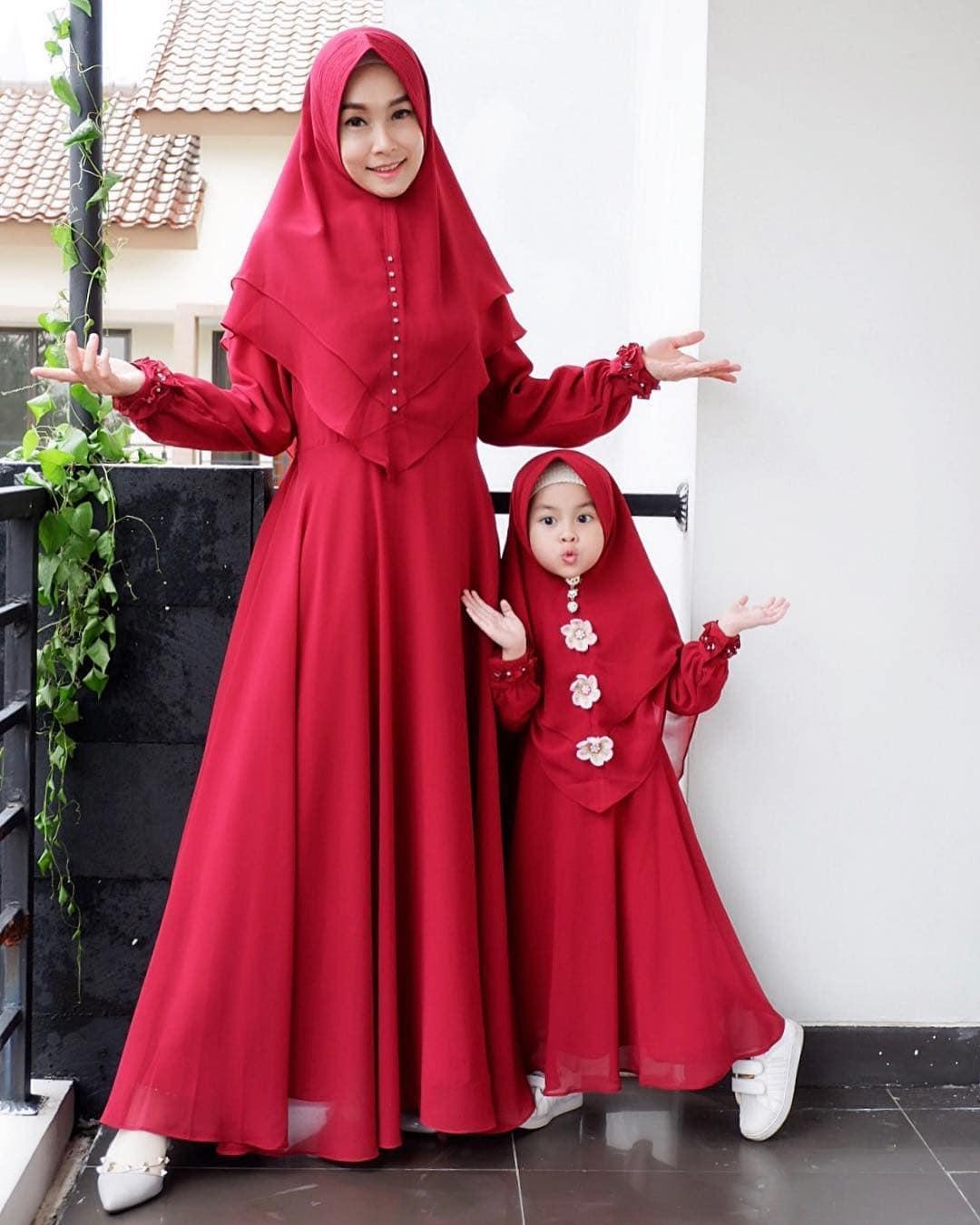Model Gamis Couple Ibu dan Anak Polos