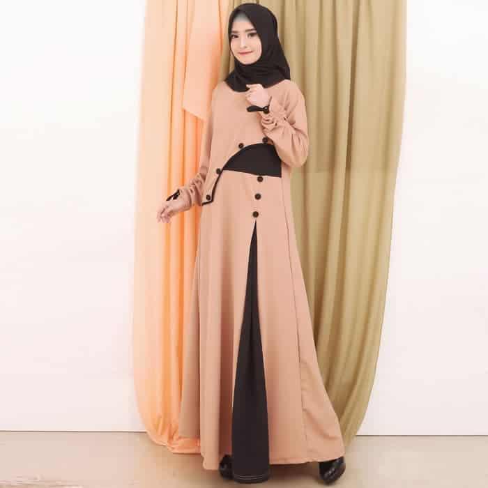 Desain Modern dalam Gamis Batik Kombinasi Polos Warna Cream Cokelat