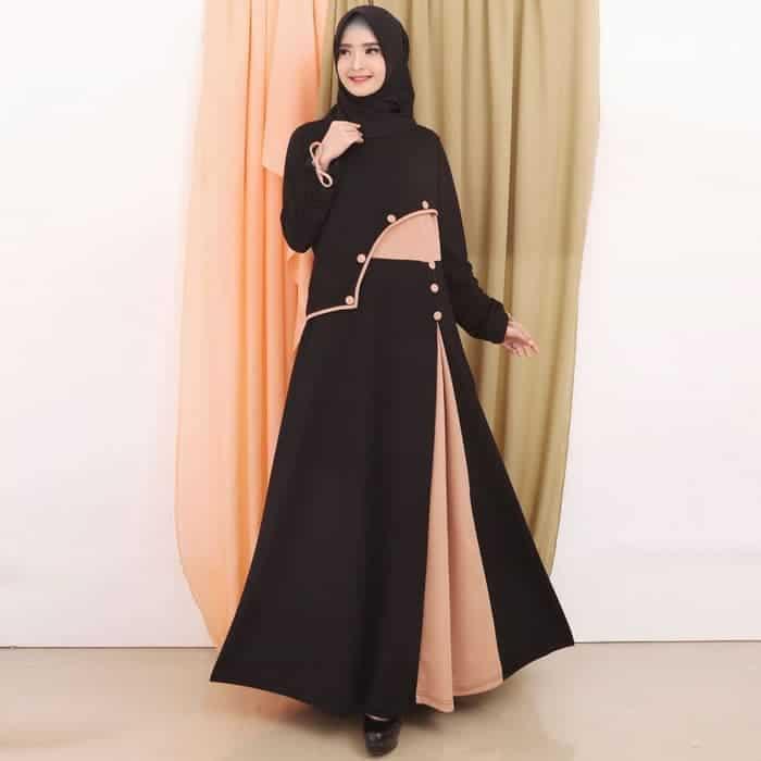 Desain Modern dalam Gamis Batik Kombinasi Polos