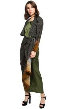 Gamis Batik Dengan Corak Beragam