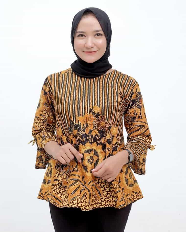Model Baju Batik Atasan Populer