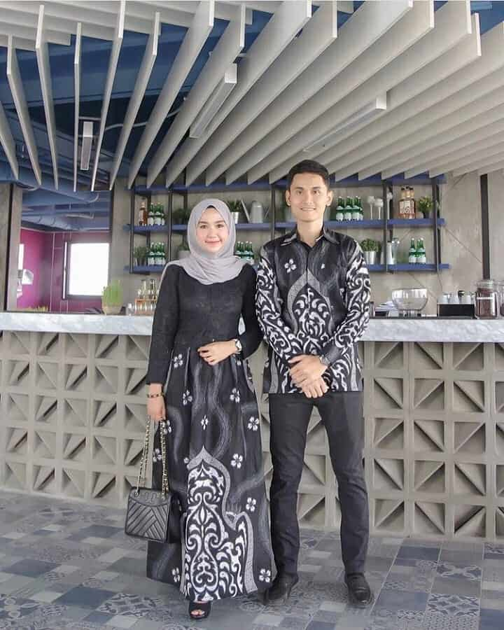 Model Atasan Batik untuk Acara Formal