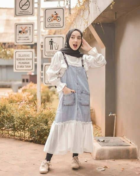Style Hijab Rok Buat Travelling