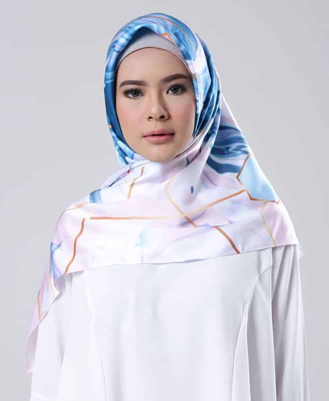 Model Hijab Kombinasi 2 Warna