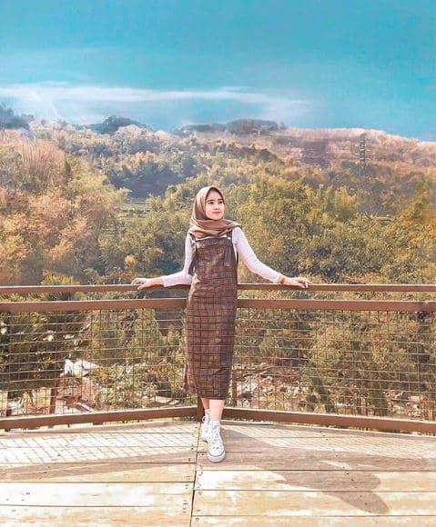 Model Kerudung Segi Empat untuk Kondangan Syari Terbaru